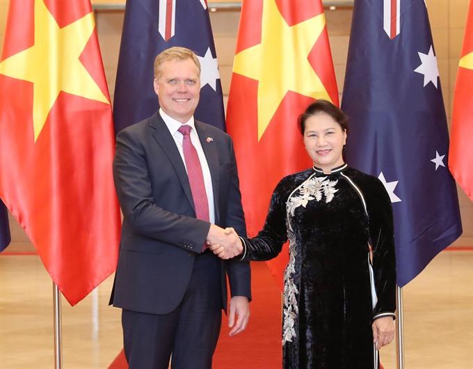 Top legislator holds talks with Australian House of Representatives Speaker