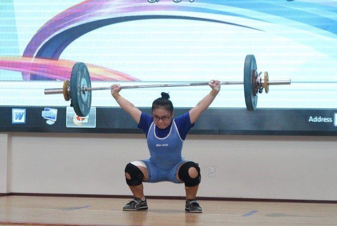 National youth weightlifting champs flex up in Hải Phòng