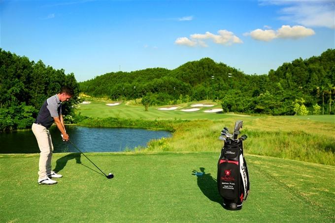 Bà Nà Hills Golf Club among VNs top ten leading courses