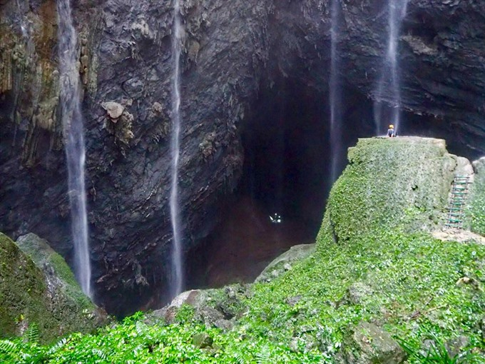 Quảng Bình halts caving trips due to unexpected floods