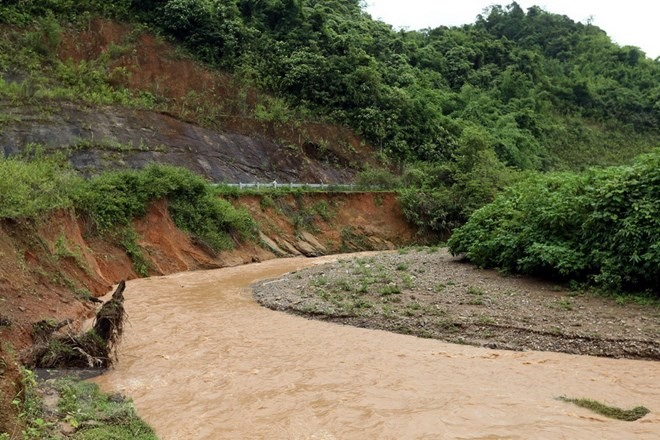 Điện Biên moves households away from threat of landslides