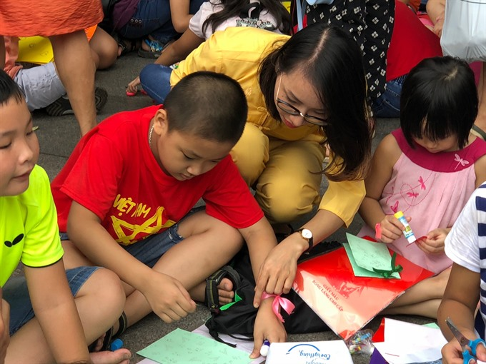 Free English class for children at pagoda