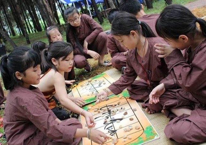 Village hosts childrens festival