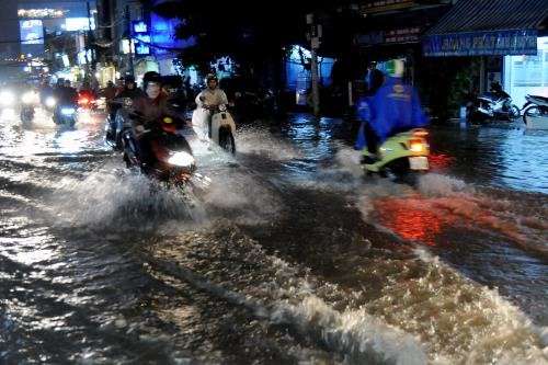 HCM City seeks funds for waste water treatment flood-prevention projects