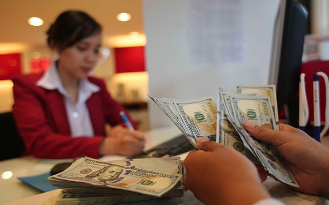 SBV requests control on foreign currency loans