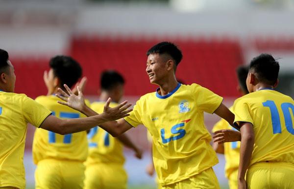 SLNA beat Sài Gòn FC at final round of National U15 Football Champ