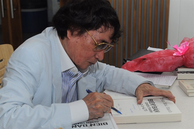 War correspondent turns diary into book