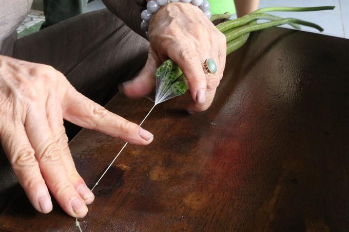 Weaving using lotus flower plants