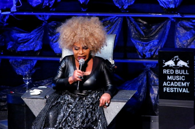 With new album Elza Soares celebrates status as an incredible woman