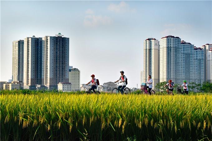 Photos capture Hà Nộis changes after expansion