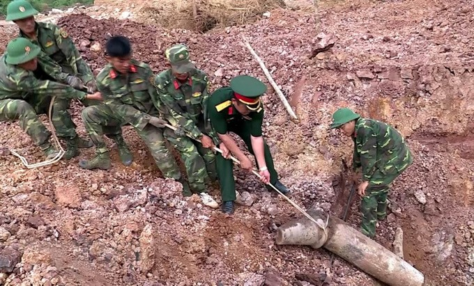 Soldiers uncover over 460 warheads in Quảng Trị