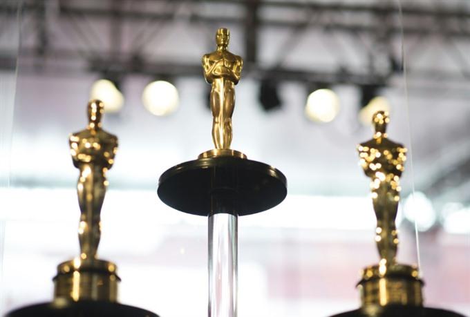 Oscars to add 'best popular film award shorten gala