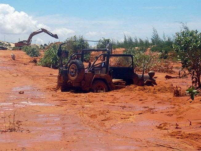 PM tells Ninh Thuận to halt mining