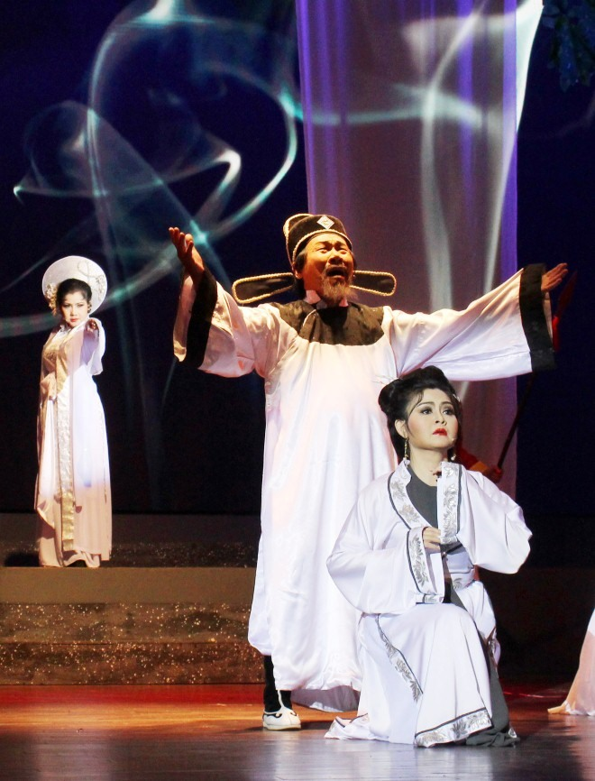 Historical play restaged at National Cải Lương Festival