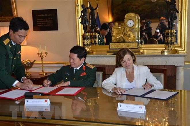 VN France sign statement on defence ties