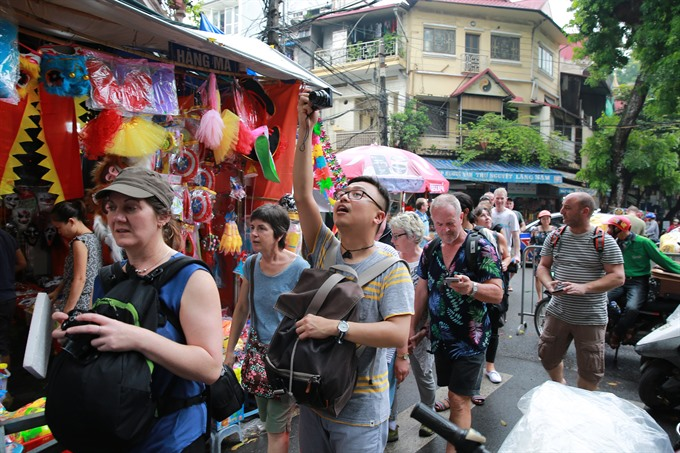 Mid-Autumn Festival gets into full swing