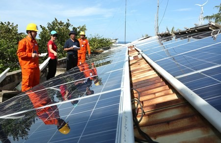 Groundbreaking ceremony held for first solar energy plant in Bình Thuận