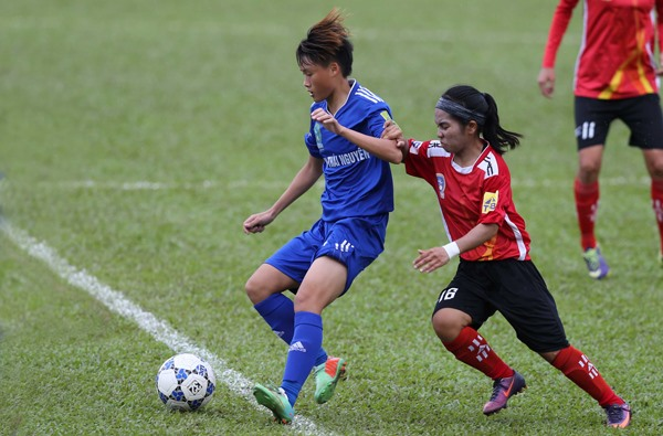 TNG Thái Nguyên beat Sơn La in womens football champs