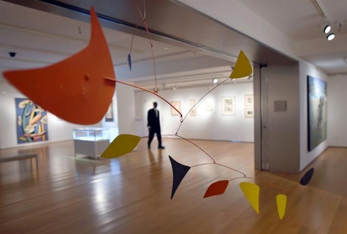 Montreal to host Canadas first retrospective of artist Calder