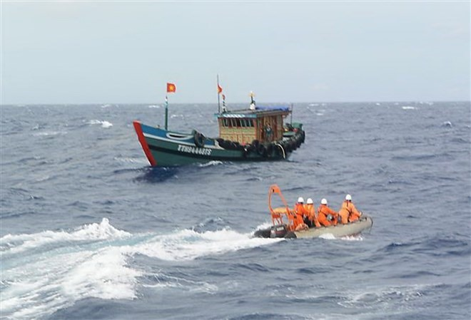 Cà Mau calls for help in search for lost fishermen