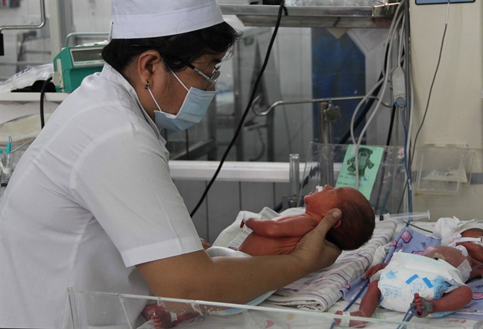 US experts train Quảng Trị nurses in neonatal care