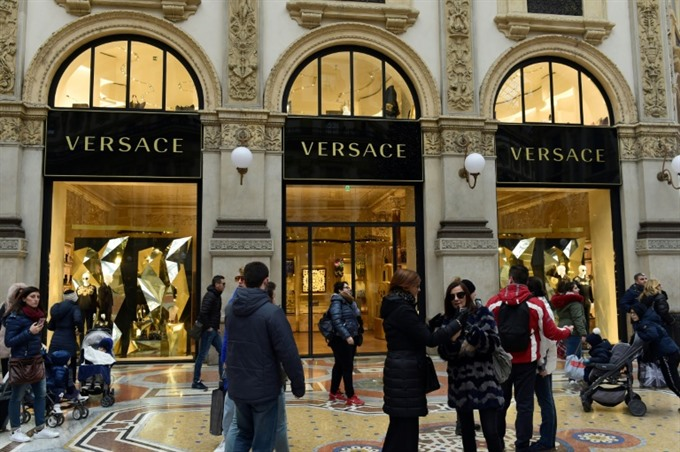 Versace close to deal to be bought by Michael Kors: reports