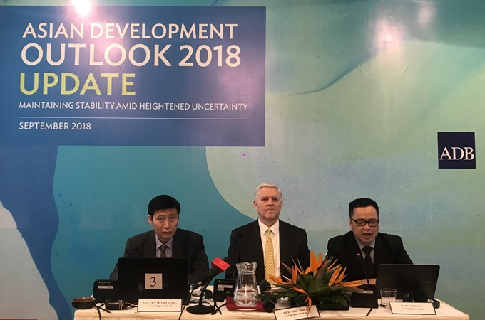 ADB lowers 2018 growth forecast for Việt Nam