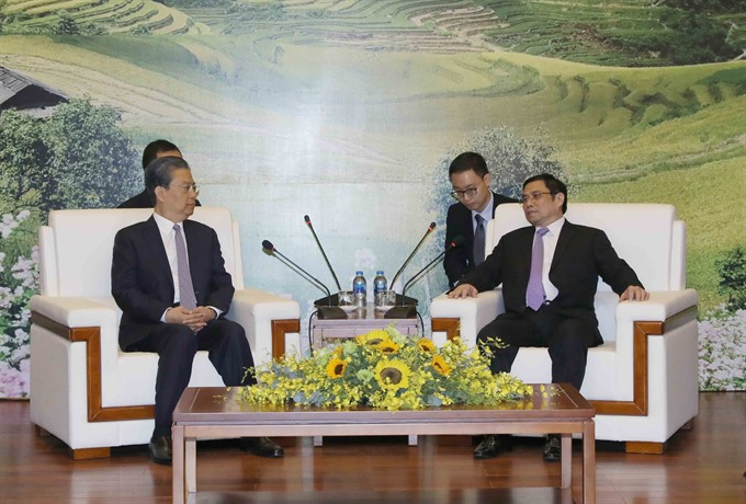 Vietnamese Chinese Party officials discuss bilateral ties