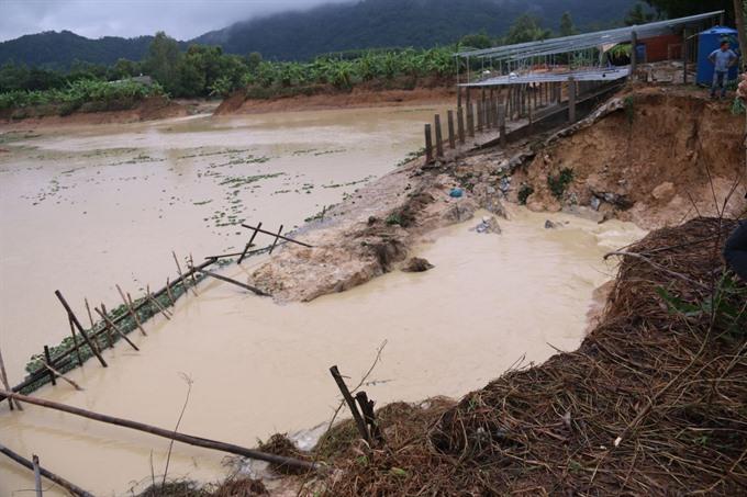 Broken dam inundates Bà Rịa-Vũng Tàu villages