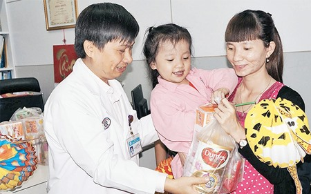 Chợ Rẫy Hospital doctor devotes self to the poor