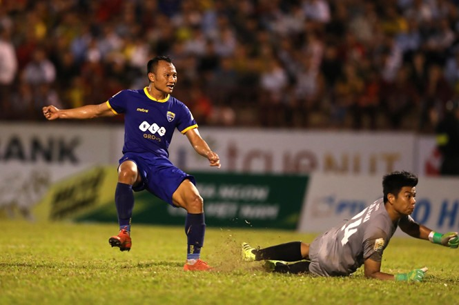 SLNA lost to Thanh Hóa 0-4 in National Cup semi-finals