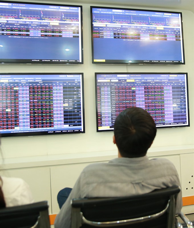 VN Index down for fourth straight day