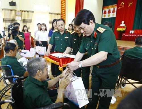 HCM City raises funds for citizens during Tết