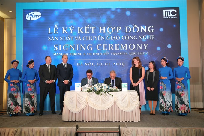 Pfizer inks tech deal with VN company
