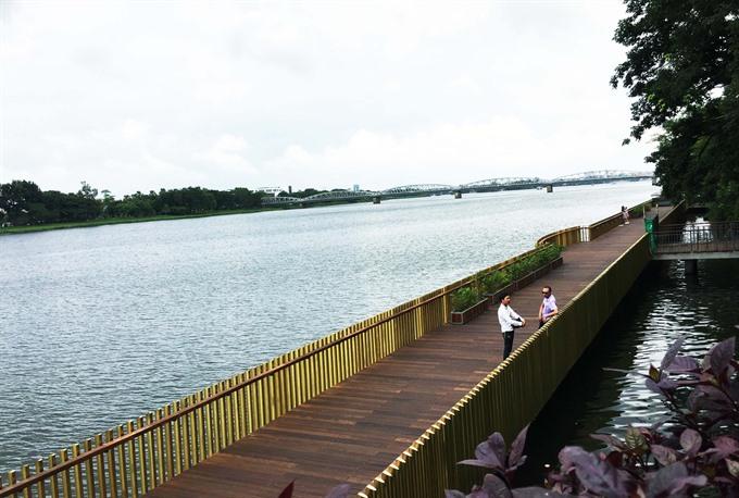 Huếs new footbridge put into use