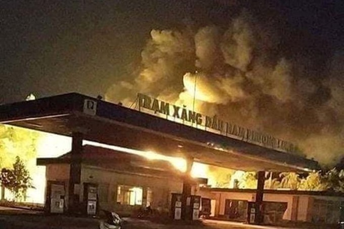 Two people in critical condition after Đồng Nai petrol station fire