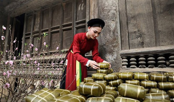 Lệ Mật brings a traditional Tết to thousands