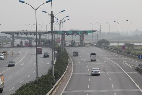 Road investor proposes toll fee exemption during Tết