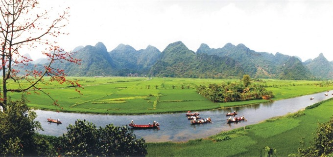 Hương Sơn Landscape Complex still protected despite new tourism projects: local leader