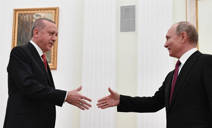 Erdogan and Putin vow closer cooperation on Syria at Moscow talks