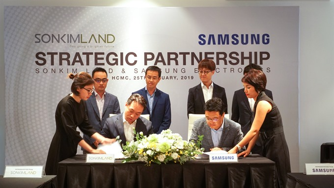 SonKim Land Samsung to build smart homes