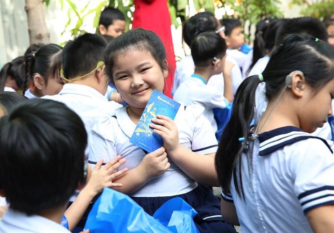 Sacombank offers Tết gifts