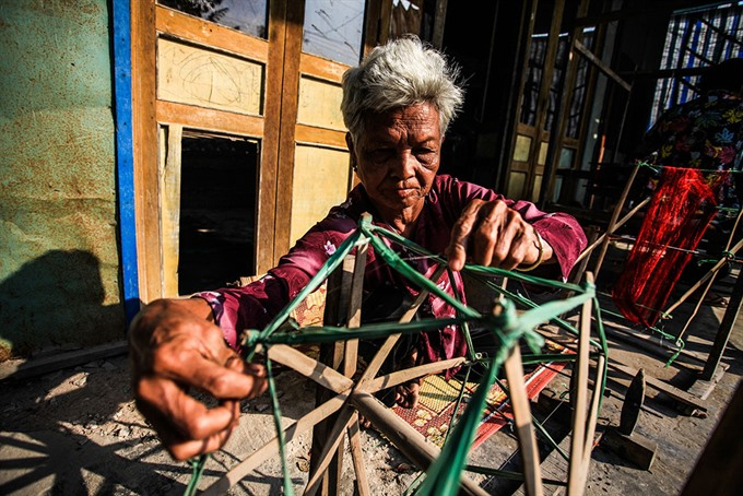 Khmer weaving village keeps craft alive