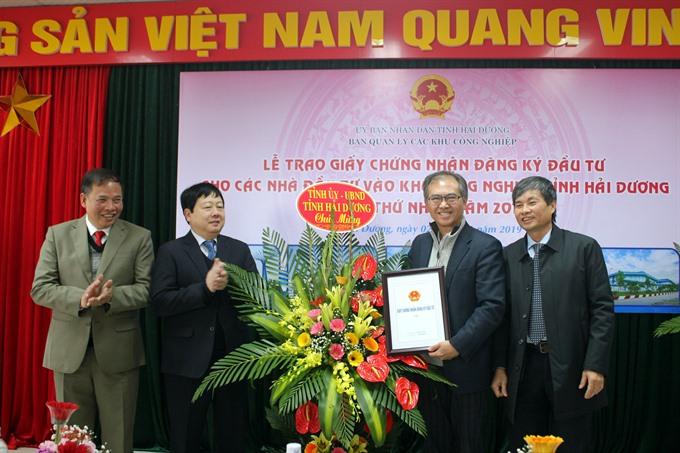 Hải Dương licenses two foreign projects