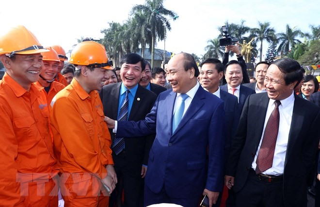 PM Phúc pays pre-Tết visit to workers in Hải Phòng