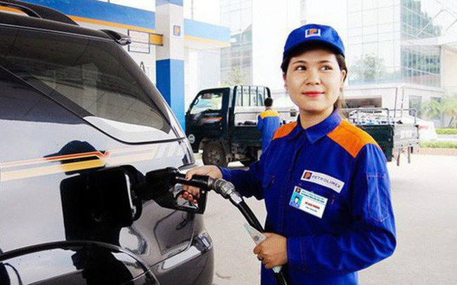 Petrol prices remain unchanged ahead of Tết holidays