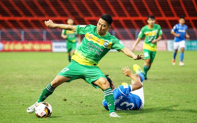 Tình Bình return to play for Sông Lam Nghệ An