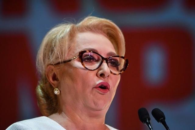 Romania government faces collapse in no-confidence vote