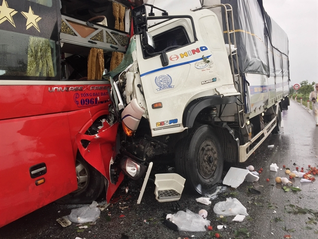 Truck-coach collision kills one injures 10
