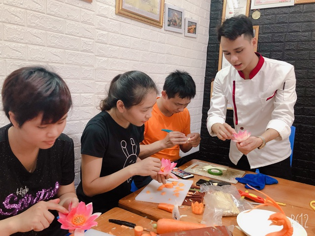 Vietnamese Cuisine praised in France